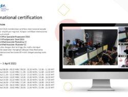 10 Mahasiswa UIN Jakarta Terima Sertifikat Internasional Microsoft Office