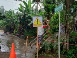 Hujan Deras Sebabkan Jembatan Lingkungan Roboh di Kota Sukabumi