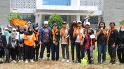 """Dukung """"Green Campus"""", Kelompok Pecinta Alam Arkadia UIN Jakarta Tanam Pohon di Kampus PPG"""